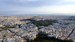 vue sur la ville blanche du haut du Mont Lycabette