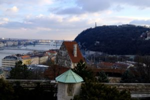 La vue sur le mont Gellért, le Danube et la ville