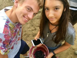 lâcher de tortues plage de Sukamade