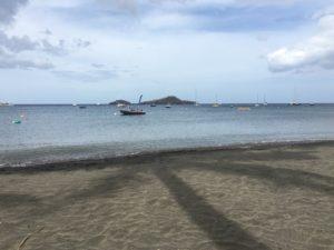 vue L'îlet pigeon de la plage de Malendure