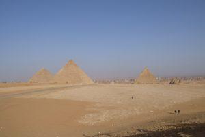 le plateau de Gizeh Le Caire