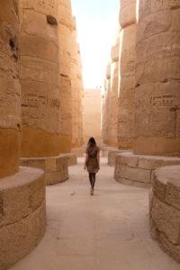 Salle des colonnes au temple de Karnak a Louxor